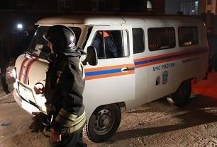 В Красноярске водителя насмерть придавило кабиной грузовика