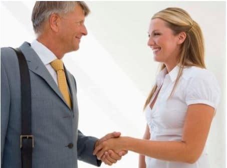 Установление контакта с клиентом в продажах